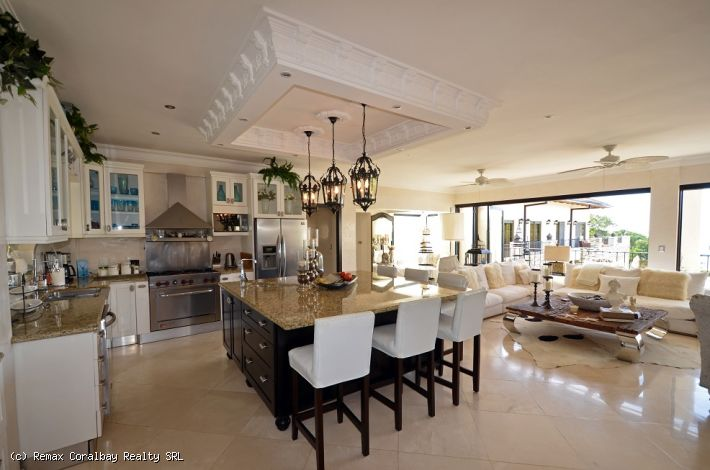 High End Luxury Beachfront Penthouse