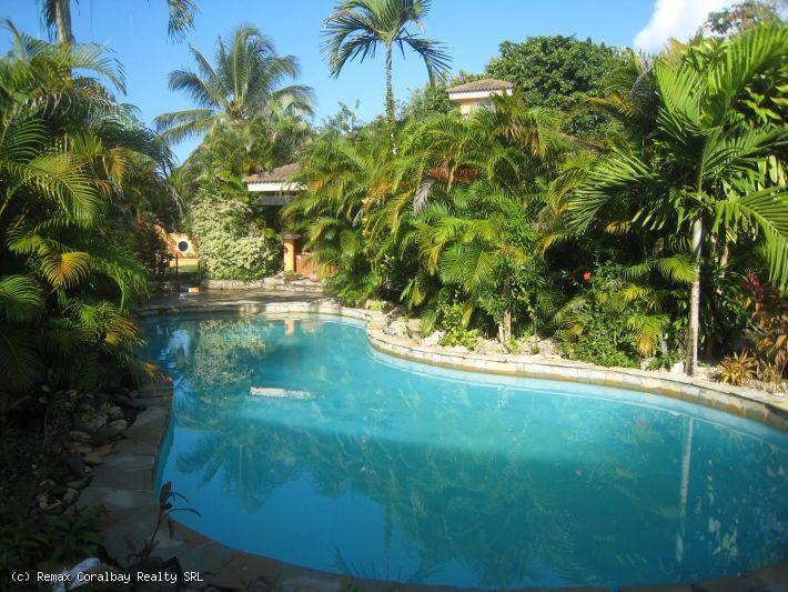 Best Villa Deal---Walk to Great Beach!